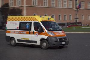 В Риме библиобус из туристами врезался во мост: пострадали 08 человек